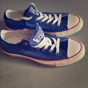 Converse All Star sneakers. Size 8. Blue. NWOT.